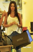 8ca27992882970 Sofia Vergara shops at Barneys New York in Beverly Hills, Aug 12, 2010