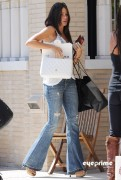 ffeb4592882927 Sofia Vergara shops at Barneys New York in Beverly Hills, Aug 12, 2010