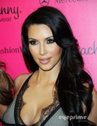 161af288928744 Kim Kardashian attends the Beach Bunny Swimwear  2011 Fashion Show in Miami, Jul 16, 2010