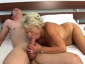 mature ladies fucking
