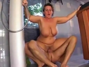 saggy mom boobs