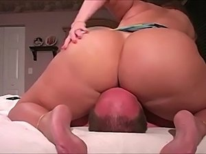 ass dimples cellulite