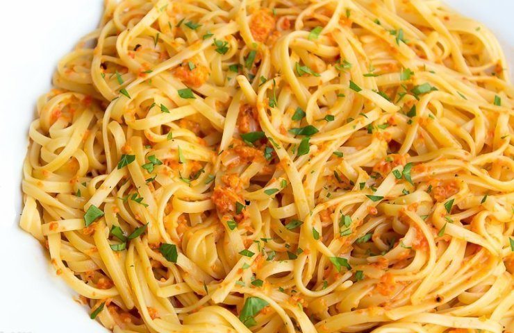 Creamy Roasted Red Pepper Linguine