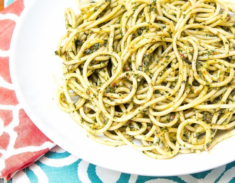 What would you pair with this Spicy Spinach Pesto Pasta ?