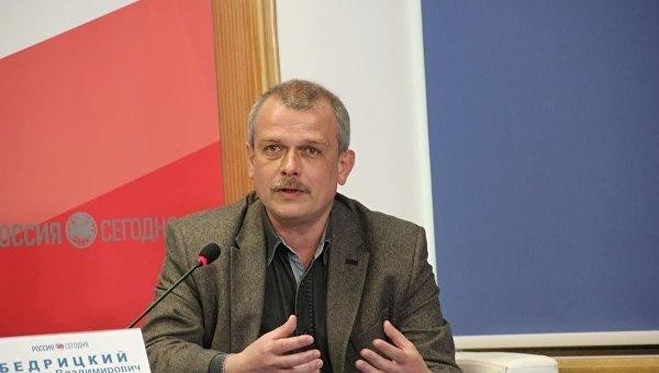 Мнение: Запад будет дистанцироваться от участников блокады Крыма
