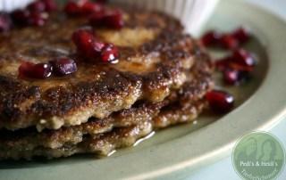 Chia-Pancakes-mit-Granatapf