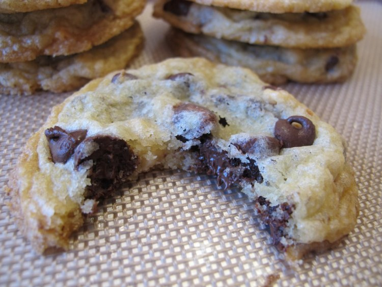 05Chocolate_Macadamia_Nut_Cookies_1024x768
