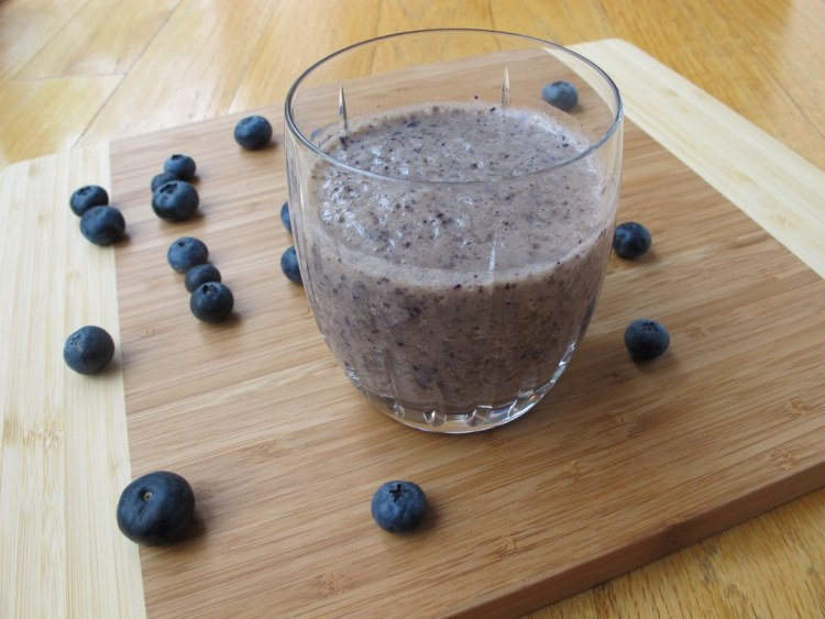 03Skinny_Banana_Blueberry_Muffin_Shake_1024x768