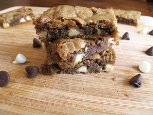 05Double Chocolate Chip Blondies_1024x768