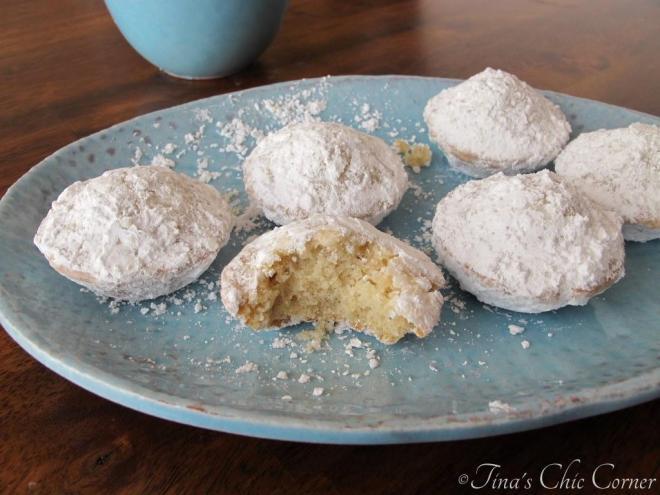 04Mini Powdered Sugar Doughnut Muffins