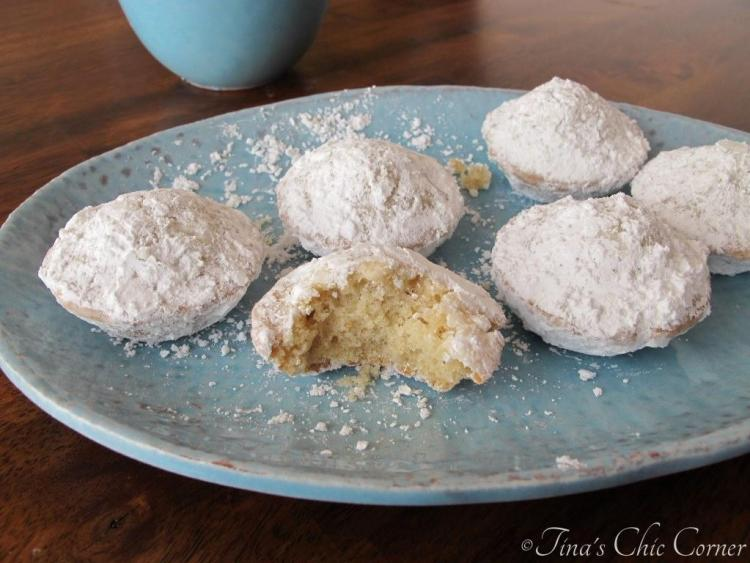 04Mini Powdered Sugar Doughnut Muffins