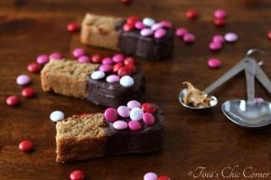 10Peanut Butter Chocolate Dipped Blondies