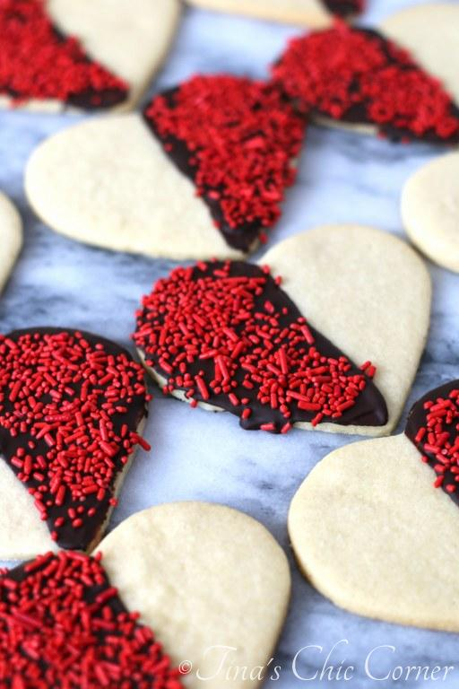Black and White Heart Shaped Sugar Cookies07