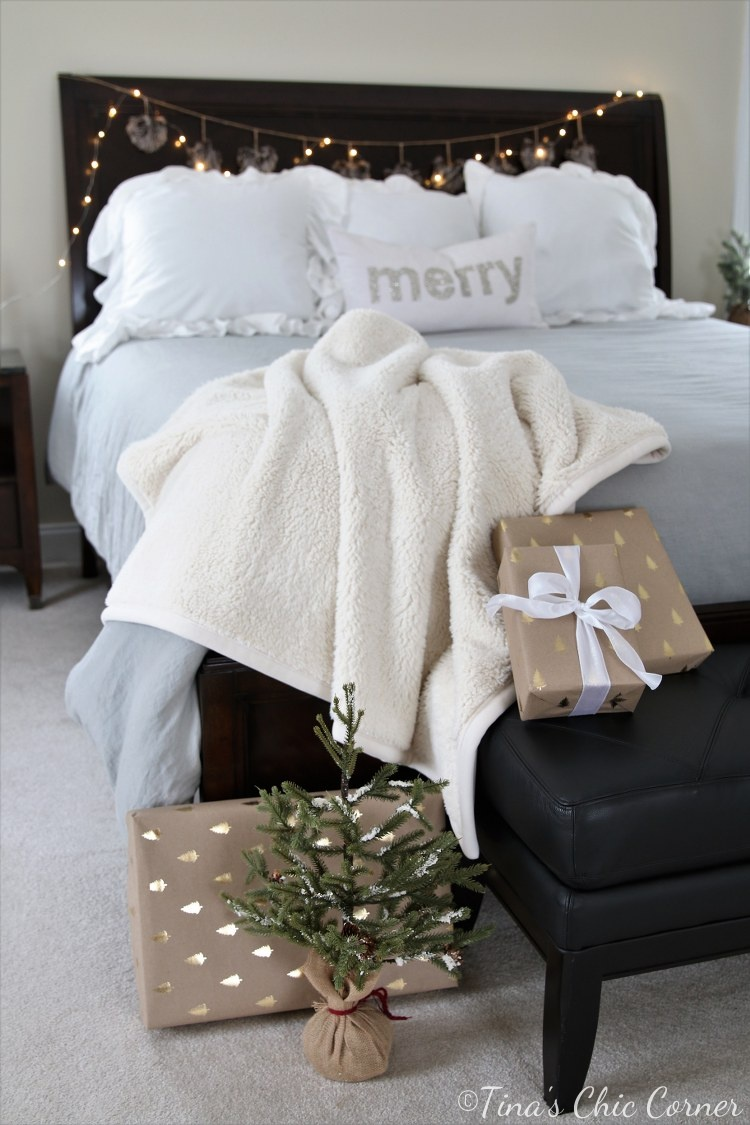 Master Bedroom Decorated For Christmas – Tina\'s Chic Corner