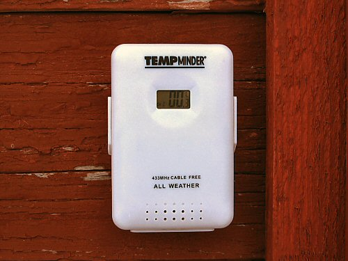 Remote thermometer/hygrometer sensor
