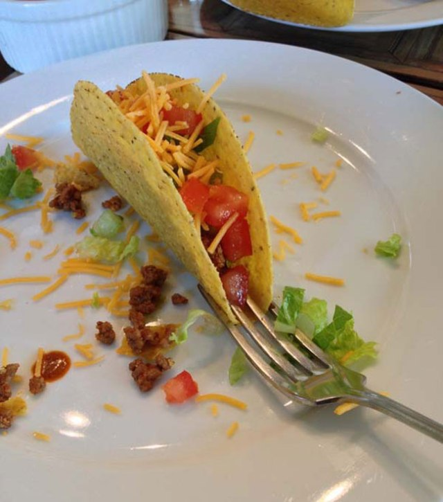kitchen_tacoholder