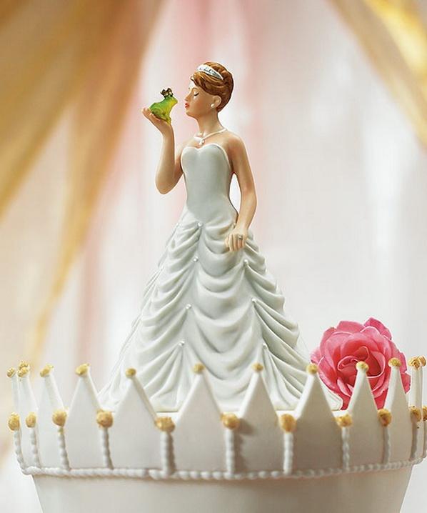 17 Hilarious Wedding Cake Toppers TipHero
