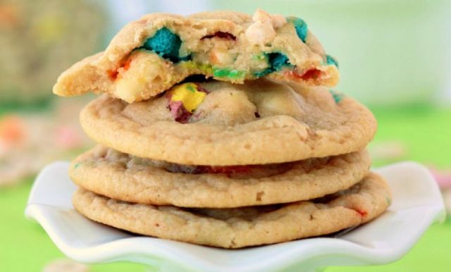 White-Chocolate-Lucky-Charms-Cookies