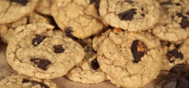 Guilt-Free Peanut Butter Chocolate Chip Cookies