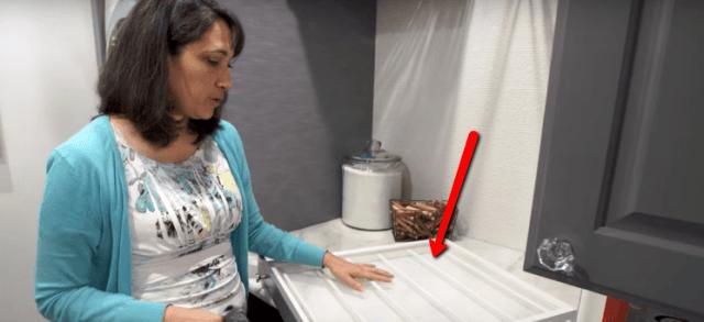 laundry-room-drying-rack-flat