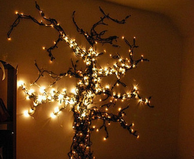 WallLightTree