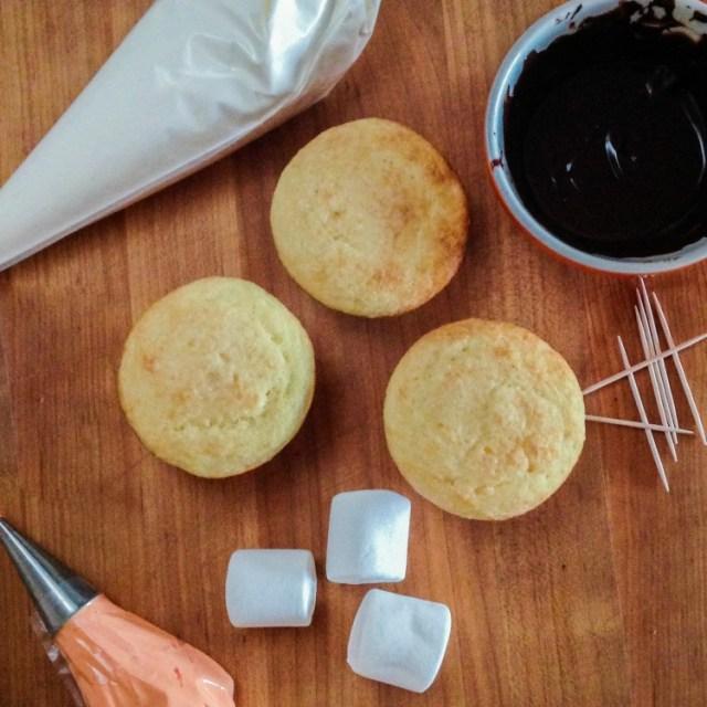 snowmencupcakes-1a