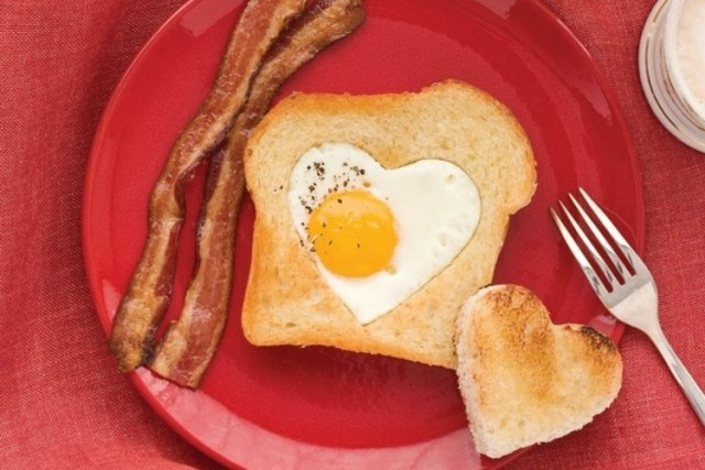 HeartEgginToast