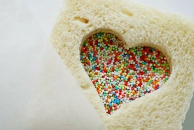 SprinkleHeartSandwich
