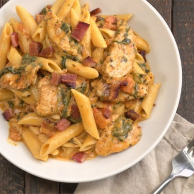 Creamy Chicken Bacon Pasta Recipe | TipHero