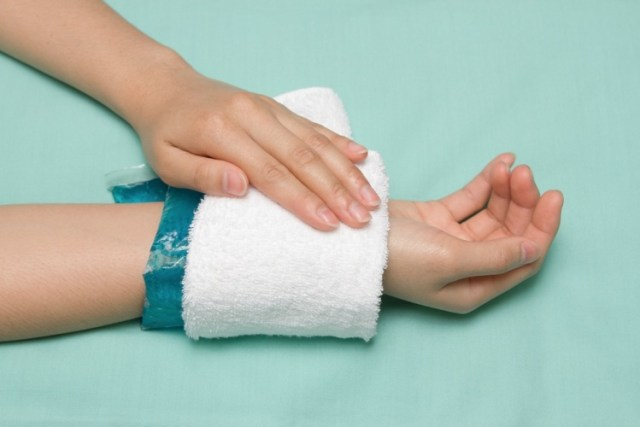 Apply cold compress to help pain of shingles
