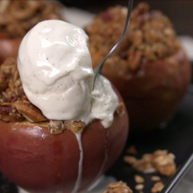 Topping Apple Crisp Baked Apples with ice cream