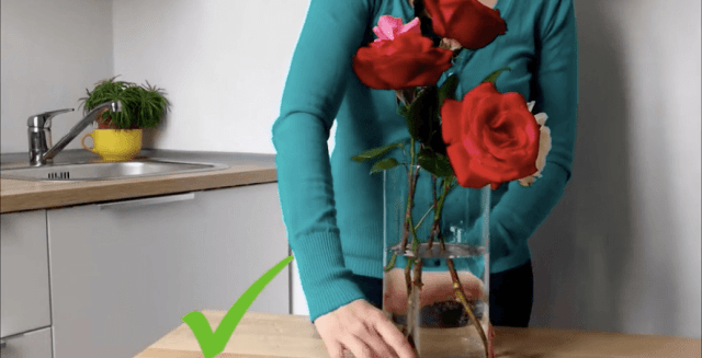 flower arrangement with a check on the screen
