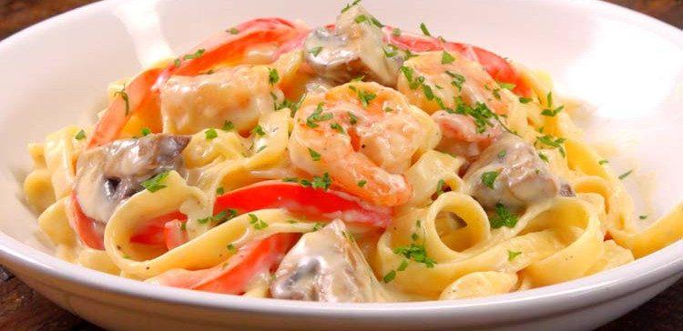 Shrimp Alfredo Pasta featured image plated