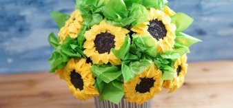 Simple, step-by-step instructions for this edible bouquet of cheery sunflower cupcakes, which makes a sweet gift or party centerpiece--that doubles as dessert!