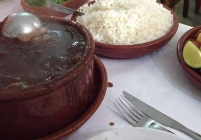 Feijoada no Elidio Bar