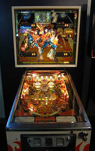 kiss-pinball-machine-1979