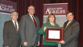 Kay Ledbetter receives Texas A&M AgriLife Vice Chancellor's Award