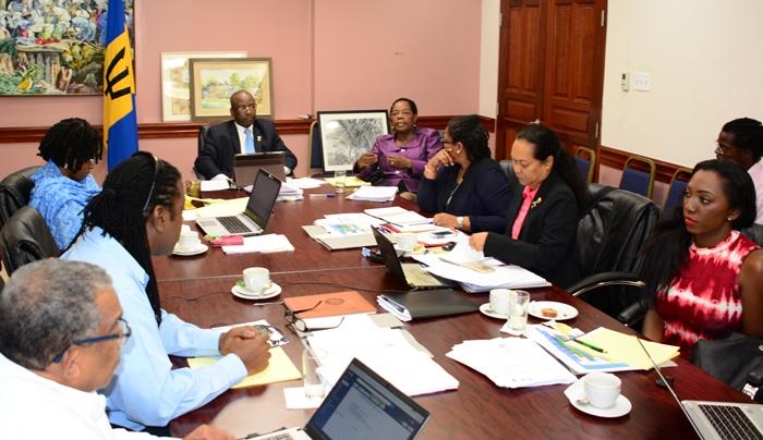 Minister of Culture, Stephen Lashley, chairs a meeting with visiting interim festival directorate and Barbados' CARIFESTA Secretariat. (Photo via C.Pitt/BGIS)