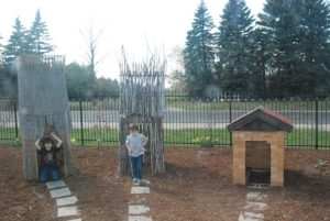 Bookworm Garden #Sheboygan - 3 Little Pigs