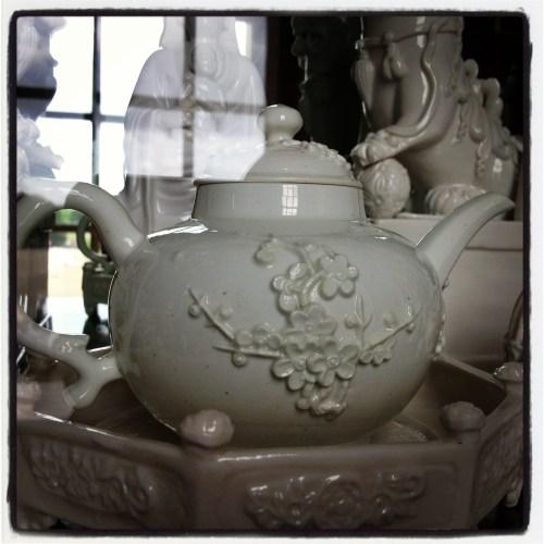 blanc de chine teapot Blenheim