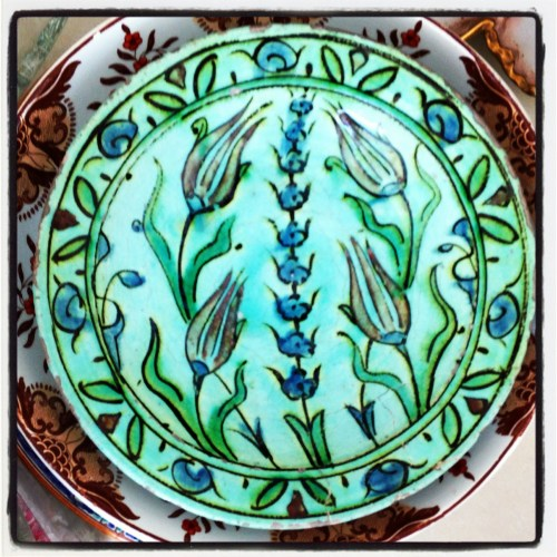 Iznik plate from new Doha antique store