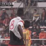 【動画あり】清水×名古屋の試合でオフサイドのホイッスルを前半終了と勘違いし選手全員が帰り始める珍事
