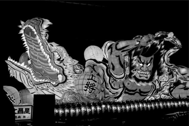 ねぶた祭りの山車