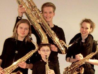 4 Musik-Talente, 4 Saxophone und viel Spielspaß: Clara August, Arthur von der Heiden, Eva Reinhardt und George Kozlovski - Fotos: Jutta Pfeuffer