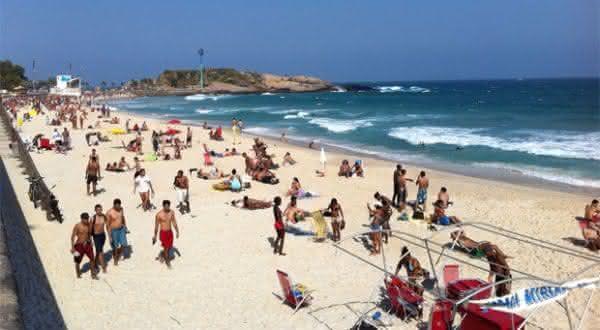 Praia do arpoador uma das praias mais bonitas do Brasil