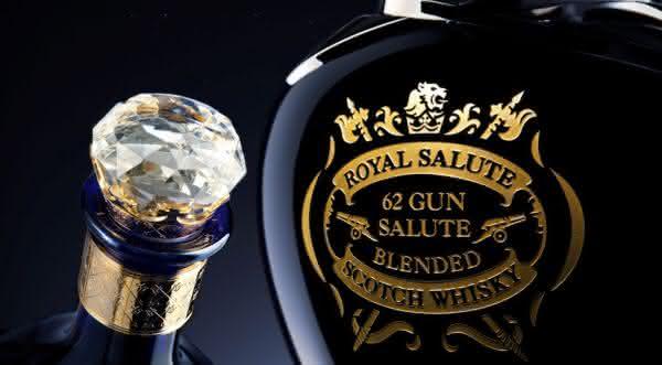 Chivas Regal Royal Salute  um dos whiskys mais caros do mundo
