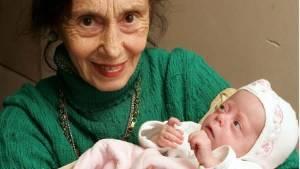 Top 10 mulheres mais velhas a dar a luz na história