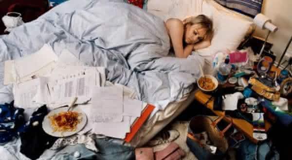 quarto baguncado entre as razoes pelas quais voce nao consegue dormir