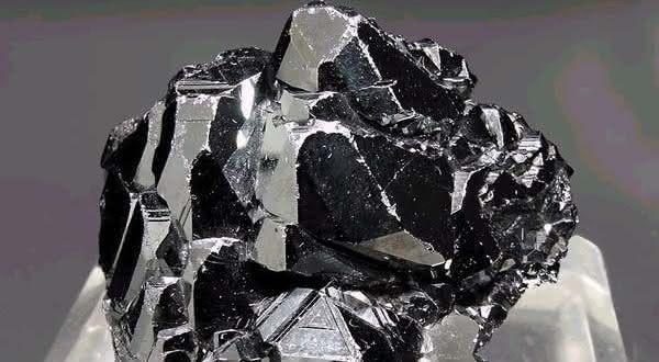 ferro entre os metais mais fortes do mundo
