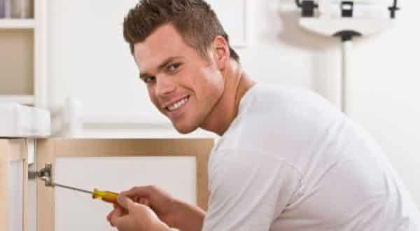 conserta tudo entre os tipos de homens irresistíveis para as mulheres
